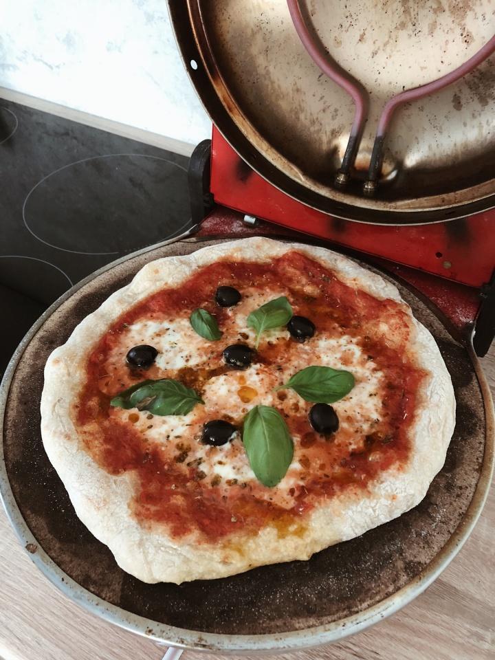 DOMOWA PIZZA – Przepis na najlepszą pizzę